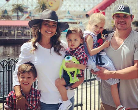 Nick Lachey's family gets in a frame.