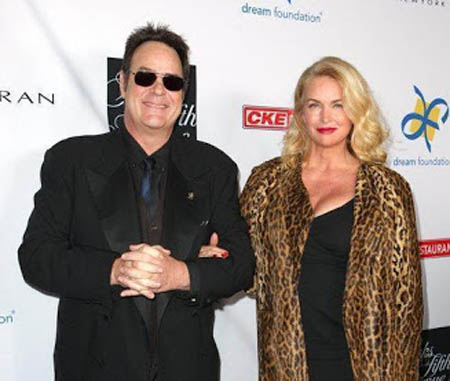 A picture of Donna Dixon and her husband Dan Aykroyd.
