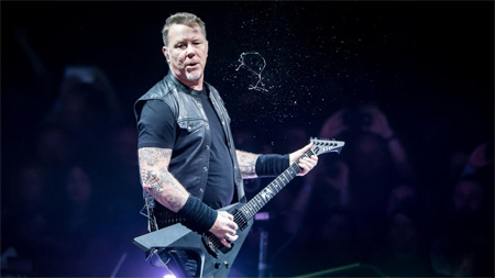 A photo of James Hetfield.