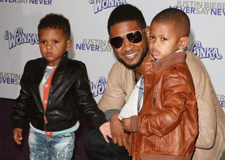 A picture of Usher with his children.