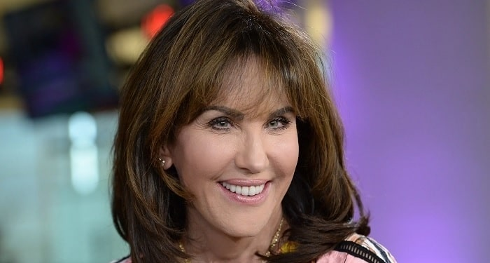 Robin McGraw's Plastic Surgery Transformation – Before and After Pictures