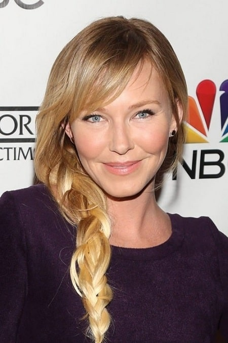 A picture of Kelli Giddish looking so young for her age.