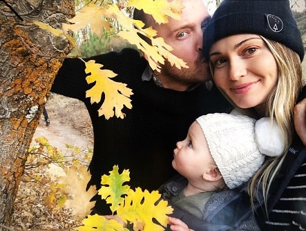 Story Annabelle Paul with her parents Aaron Paul and Lauren Parsekian.