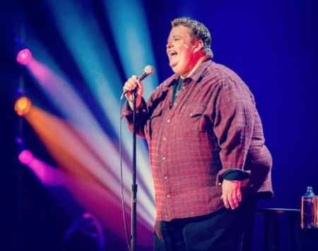 Standup Comedian Ralphie May in action