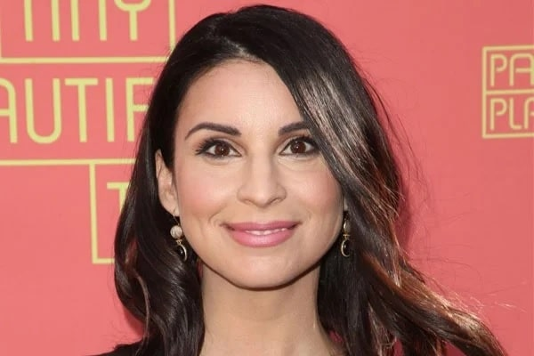 7 Facts About Actress Beth Dover Actor Joe Lo Truglio S Wife Baby Mama Glamour Path