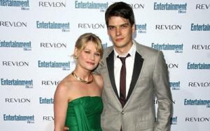 Facts About Josh Janowicz - Actor, Director and Former Husband of Emilie de Ravin