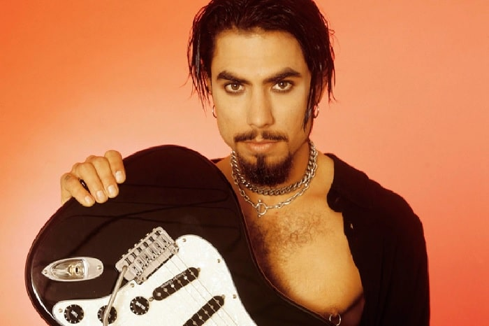 About Dave Navarro - Details on Extraordinary Life of This Guitarist