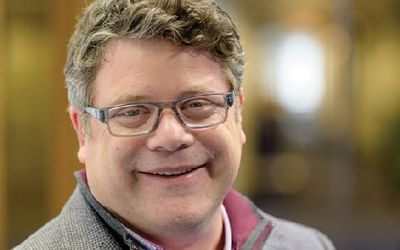 Sean Astin's Huge $20 Million Net Worth - Earning From Movies and Endorsed By Big Brands