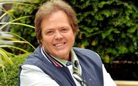 "Facts About Jimmy Osmond – Singer From ""The Osmonds"" Family Band"